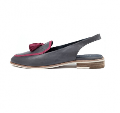 A classic loafer which will add a dynamic note to your outfits.